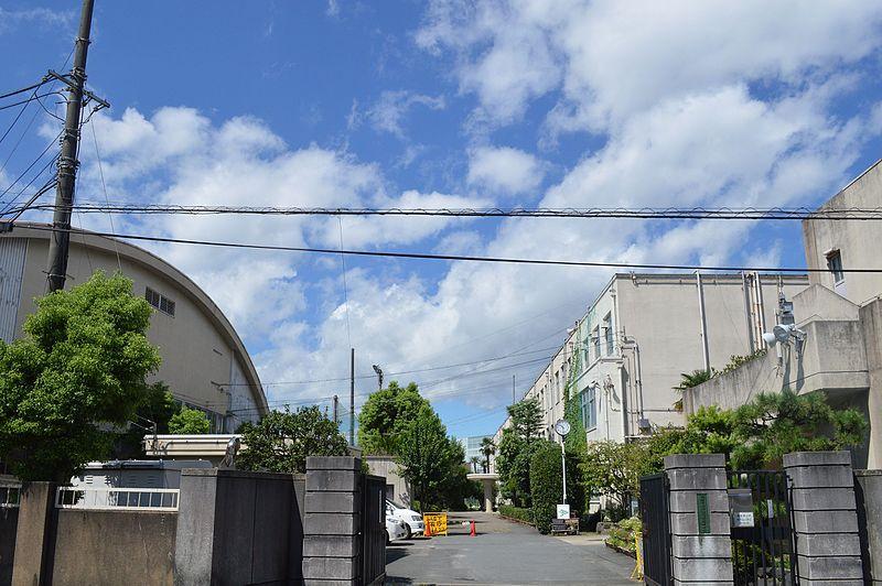ファイル:Rakuyo Tech High School.JPG