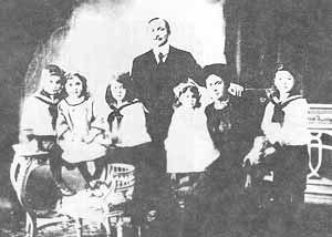 René Lefebvre - René Lefebvre and his family, c.1908