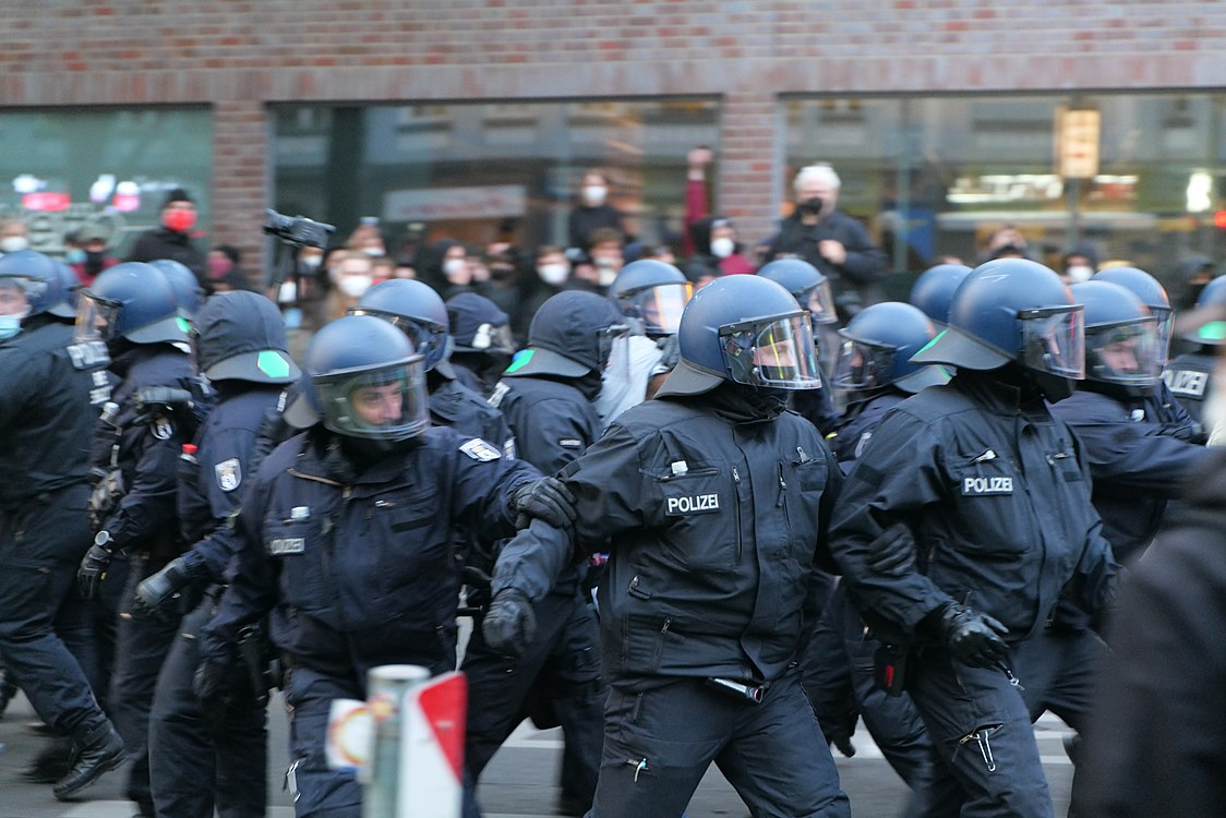 Revolutionary 1st may demonstration Berlin 2021 123.jpg