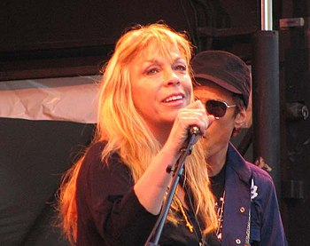 Rickie Lee Jones performing in 2007