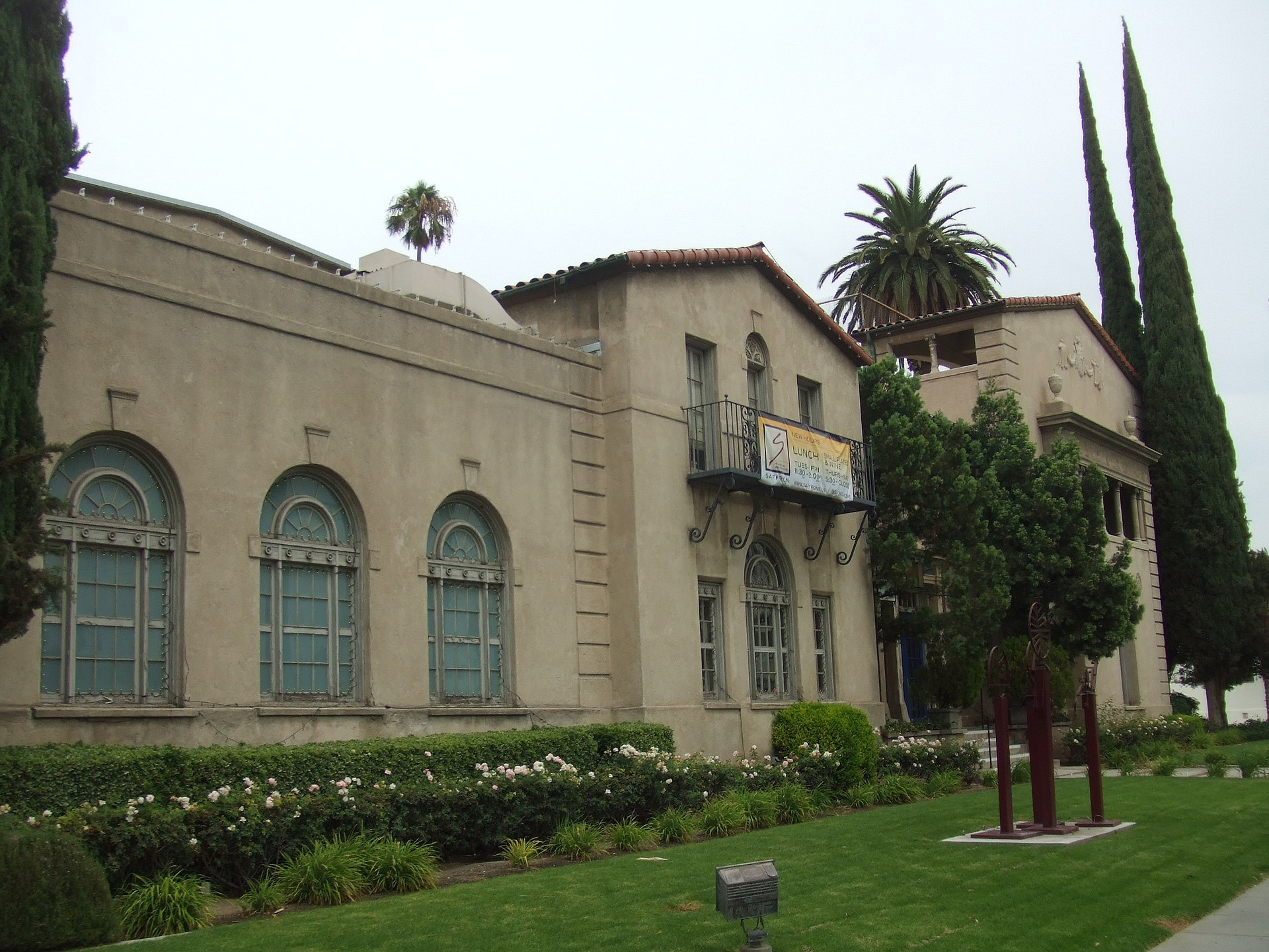 Riverside art museum wikipedia for The riverside