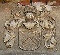 Roben, Wappen an der Kirche.JPG