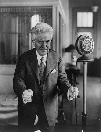 Robert M. La Follette Sr. - La Follette Sr. making a radio speech shortly before his death