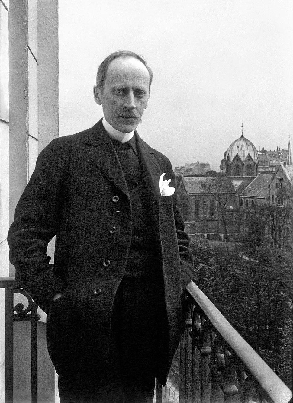 Romain Rolland de face au balcon, Meurisse, 1914 retouche