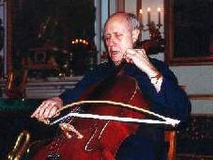 Curved bow - Mstislav Rostropovich with BACH.Bow in 1999