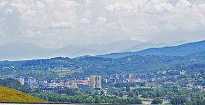 Rrëshen - Image: Rrëshen from distance