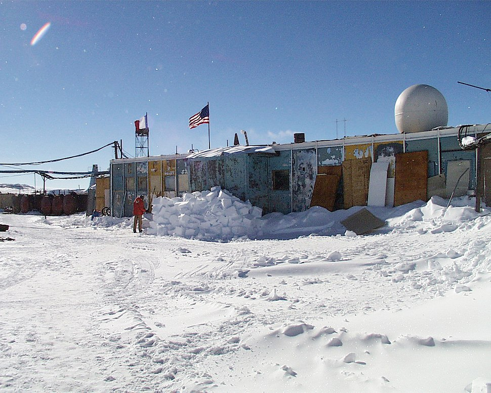 The Russian station Vostok in 2000