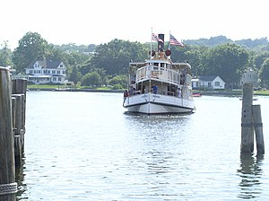 Mystic River (Connecticut) - The Sabino traveling along the Mystic River