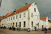 Fil:Sahlsteenska gården-2012-07-16.jpg