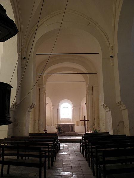 Transept et chœur de la collégiale Saint-Austrégésile de Saint-Outrille (18).