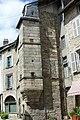 Saint Léonard de Noblat - tour carrée reposant sur un culot.JPG