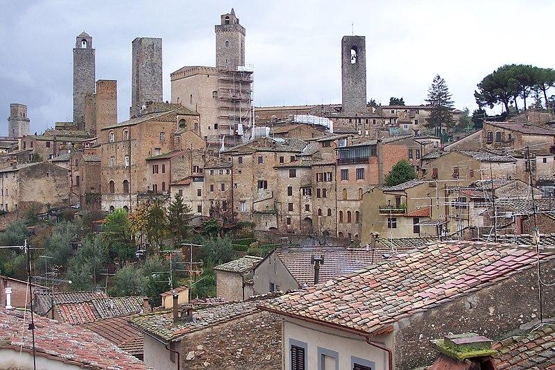 San Gimignanon torneja. Kuva Wikipedia/ Dlanglois