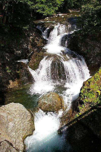 File:Sankai-Taki Falls.JPG