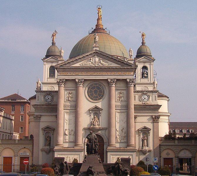 Archivo:Santuario di Maria Ausiliatrice Torino.jpg