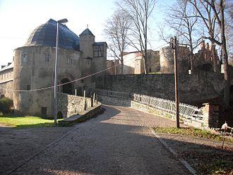 Hartenstein, Saxony - Image: Schloss hartenstein aussentor