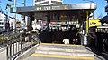 Seoul-metro-Sinseol-dong-station-entrance-06-20181122-112324.jpg