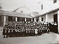 Servas de Maria do Brasil - Acervo (Orfanato São José - Estrada do Capenha - Madre Ma.Terezinha, crianças e noviças).jpg