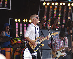 Silverchair em concerto no Big Day Out, 2008.