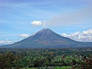 Mount Sinabung - Image: Sinabung Gundaling 20100913
