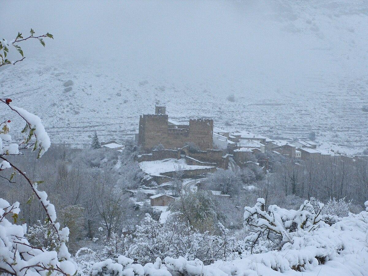 Fuero Jimenez 1200px-Snowed_Yanguas%2C_Soria%2C_Spain