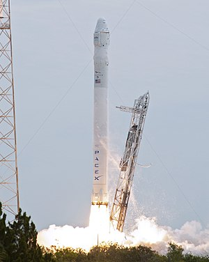 Medium-lift launch vehicle - A Falcon 9 v1.0 launches with an uncrewed Dragon spacecraft, 2012