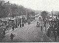 Städtische Straßenbahnen Wien 1903–1913 (page 48 crop) – Ankunft beim I. Tor des Zentralfriedhofes.jpg