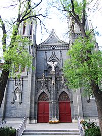 St. Michael's Church in Beijing 02 2011-04.JPG
