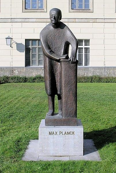 File:Statue Unter den Linden 6 (Mitte) Max Planck.jpg