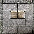 Stolpersteine für die ehemaligen Bewohner des Hauses Celler Straße 30 in Hannover.jpg