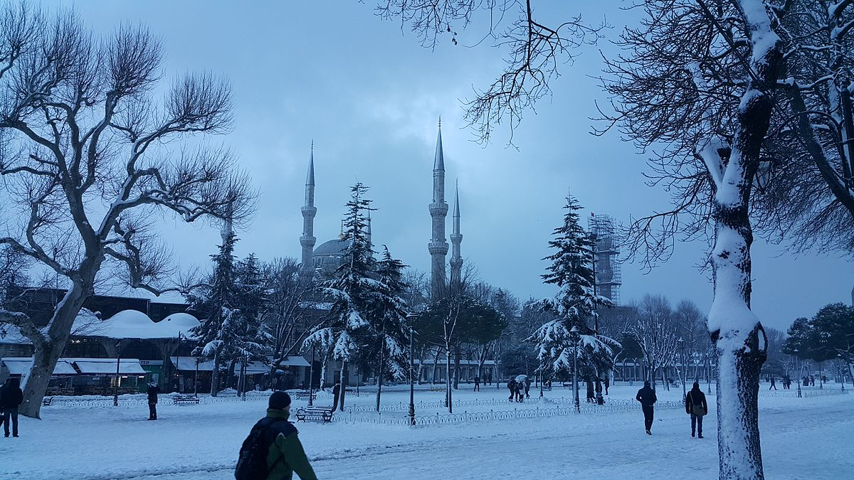 Sultan Ahmed Mosque in winter.jpg