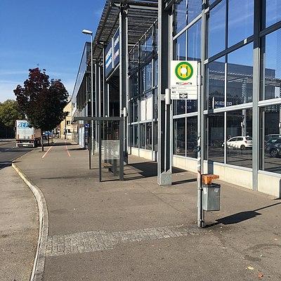 Tübingen-Hügelschule-Bushaltestelle-1.jpg