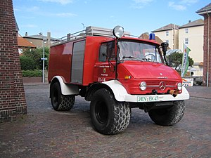 Water tender - Unimog water tender with flotation tires