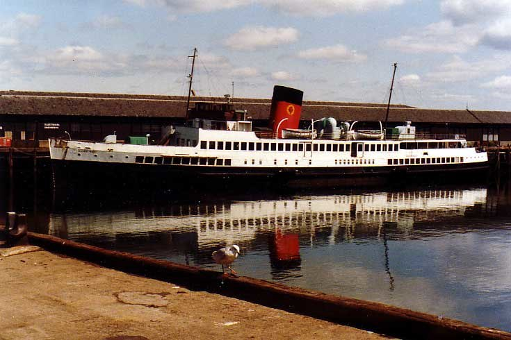 TS Queen Mary 1981
