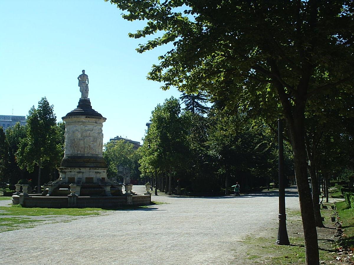 Taconera wikipedia la enciclopedia libre for Cementerio parque jardin la puerta
