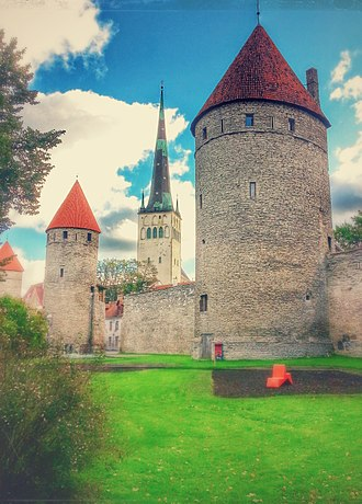 Duchy of Estonia (1219–1346) - The Walls of Tallinn were started by Queen Margrethe