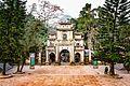 Tam quan chùa Hương.jpg