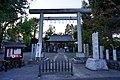 Tamagawa-jinja (Hamura) Torii.jpg