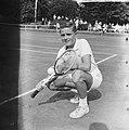 Tennis in Hilversum. De jongste deelnemer Albert Lansdorp 15 jaar, Bestanddeelnr 915-3716.jpg