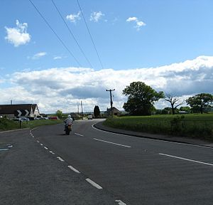 The A905 heading towards Bowtrees roundabout and the M876 - geograph.org.uk - 1358363.jpg