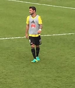 Tom Doyle playing for Wellington Phoenix in 2016.jpg