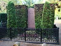 Tomb of Hans Christian Andersen - Copenhagen 1.jpg