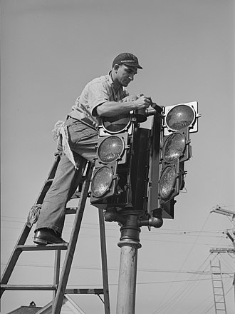 Traffic light - The installation of a traffic signal in San Diego in December 1940