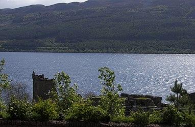 Urquhart Castle Loch Ness.jpg