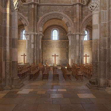 Vézelay, Church and Hill-121201.jpg