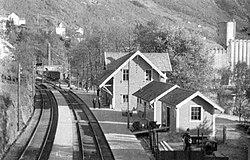 Vaksdal stasjon ubb-dju-p-0357 sm.jpg