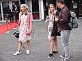 Verslaggeefster tijdens show mediapark Hilversum.jpg