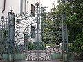 Villa Simonini, cancello liberty 04.JPG