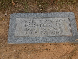 Vince Foster - Grave of Vince Foster at Memory Gardens Cemetery in his boyhood home of Hope