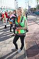 Vrouwelijke fotografe tijdens koningsdag 2015 Spijkenisse.jpg