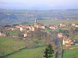 Vue sur le village d'Arcinges, été.jpg